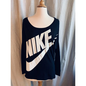 Nike Dolman Sleeve Black T-Shirt, Size Medium